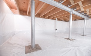 Crawl space structural support jacks installed in Powell